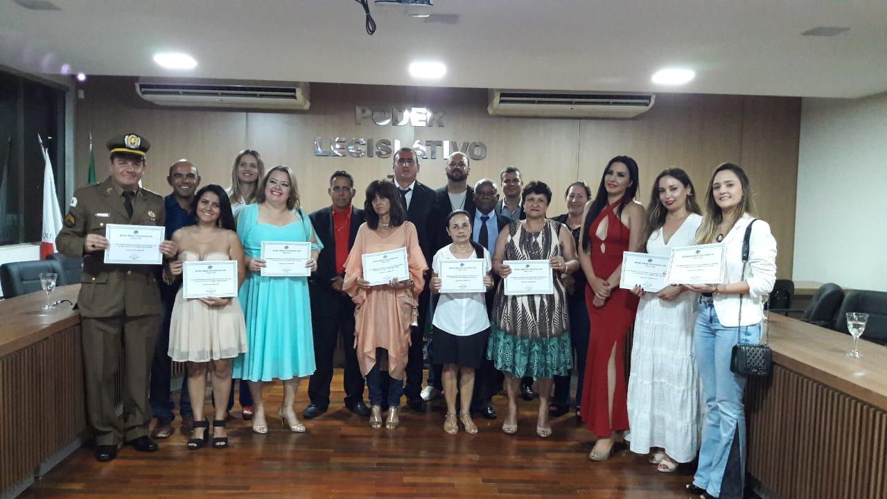 A Câmara Municipal de Lagoa da Prata  Realiza Sessão Solene de Entrega da Comenda São Francisco de Assis